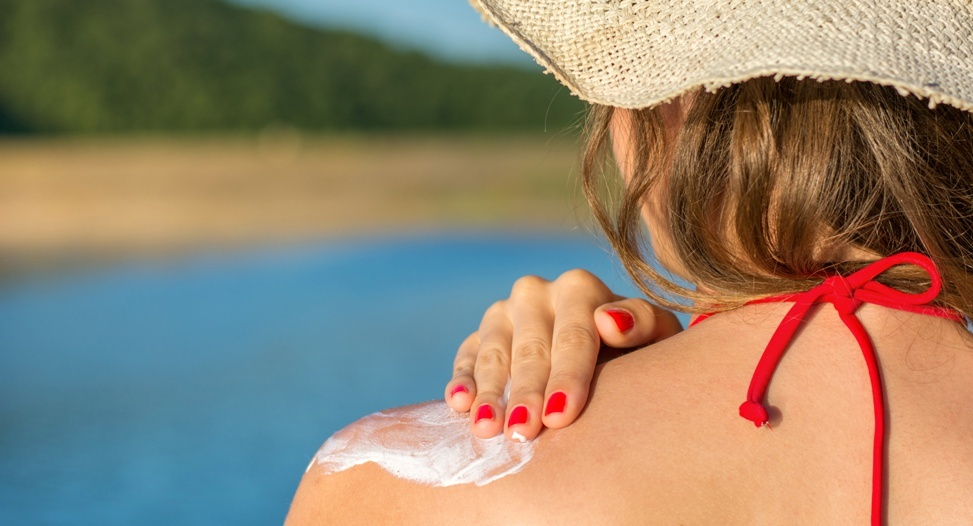 What's In Your Sunblock? Tips for Healthy Sun Protection